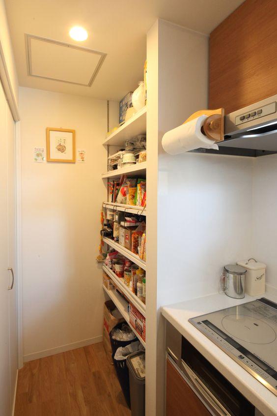 パントリー オープン キッチン奥 オープン棚 扉付き収納 組み合わせ