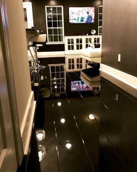 Elesgo Super Gloss Black 772315 Laminate Flooring Highgloss Blackflooring Elegant Black Laminate Flooring Floor Design Black Wood Floors