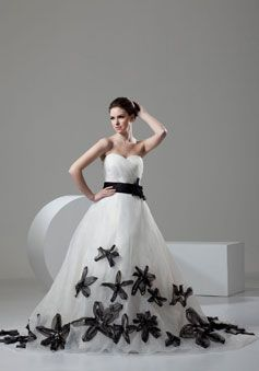Princess Organza Sweetheart Chapel Train Low Back Sleeveless Flowers With Sash Wedding Dress