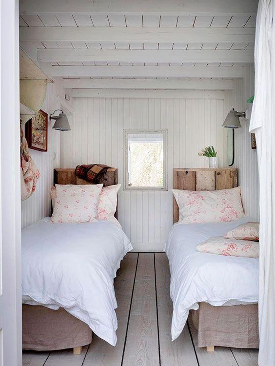 Von Wegen Geteiltes Gluck Entdecken Sie Chancen Und Charme Des Einzelbetts Mit Diesen Wohnideen Landhausschlafzimmer Wohnen Ideen Fur Kleine Schlafzimmer