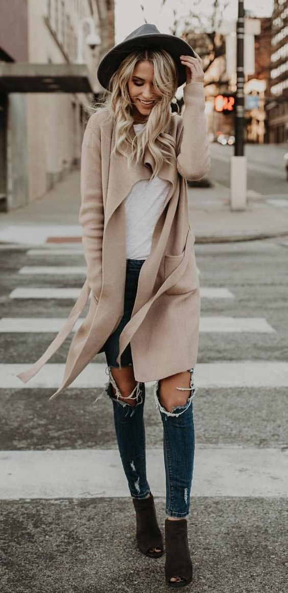 #winter #outfits biege long cardigan