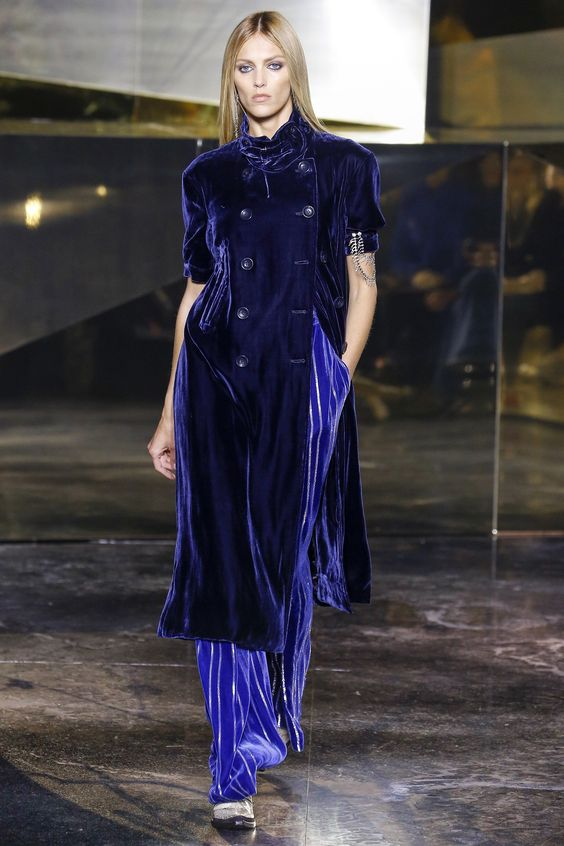 46 Velvet Outfits To Look Cool And Fashionable
