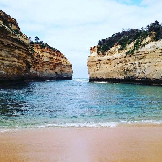 #lochardgorge #greatoceanroad #melbourne #victoria #australia by carnetsdaustralie