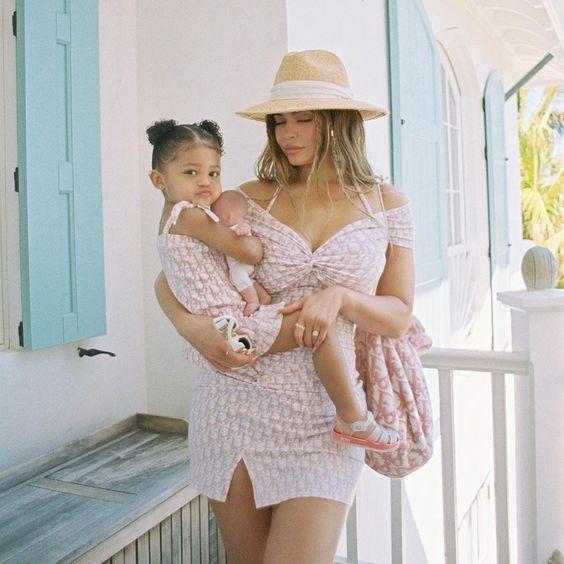 Kylie Jenner On In 2020 Kylie Jenner Outfits Kylie Jenner Dress Kylie Jenner Baby