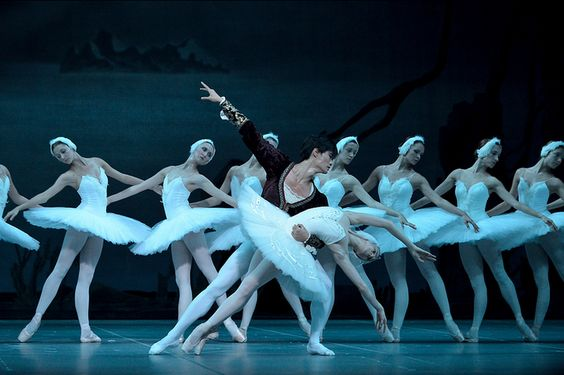 Act II of the Mariinsky Ballet's Swan Lake. With Olesya Novikova as Odette and Kimin Kim as Siegfried.