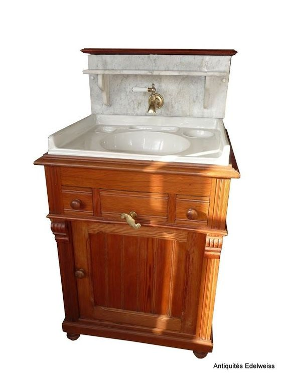 d tails sur meuble de toilette lavabo en pitchpin et marbre blanc 2 tiroirs ann e 1900. Black Bedroom Furniture Sets. Home Design Ideas