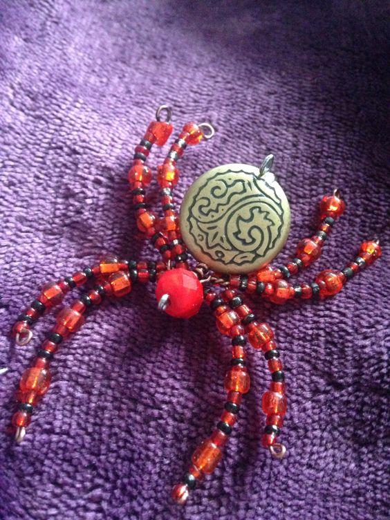 Gallifrey inspired beaded jumping spider :) I hope you enjoy *bows*.  Xoxo, Scion