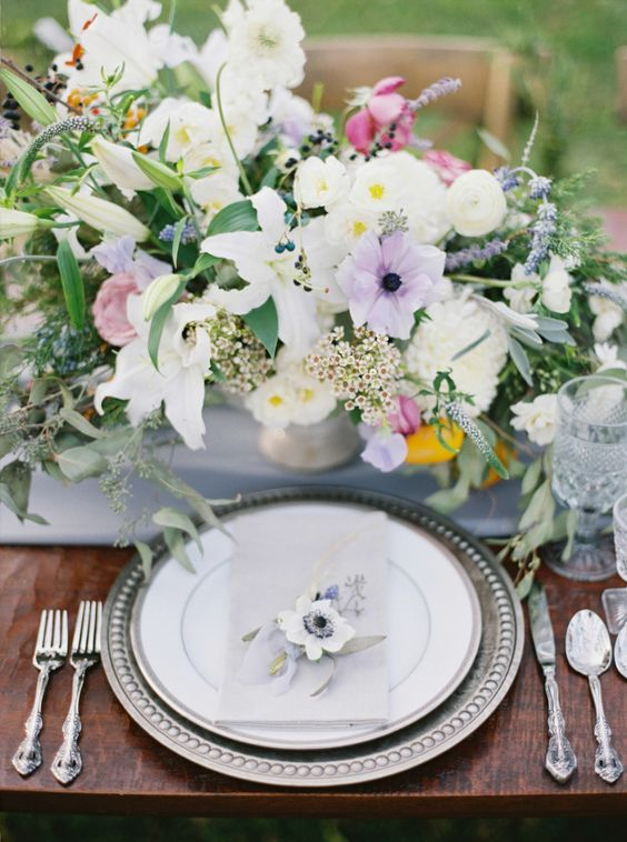 Romantic violet tablescape: http://www.stylemepretty.com/maryland-weddings/churchville/2016/01/28/romantic-violet-smokey-charcoal-wedding-inspiration/ | Photography: Amelia Johnson - http://www.amelia-johnson.com/