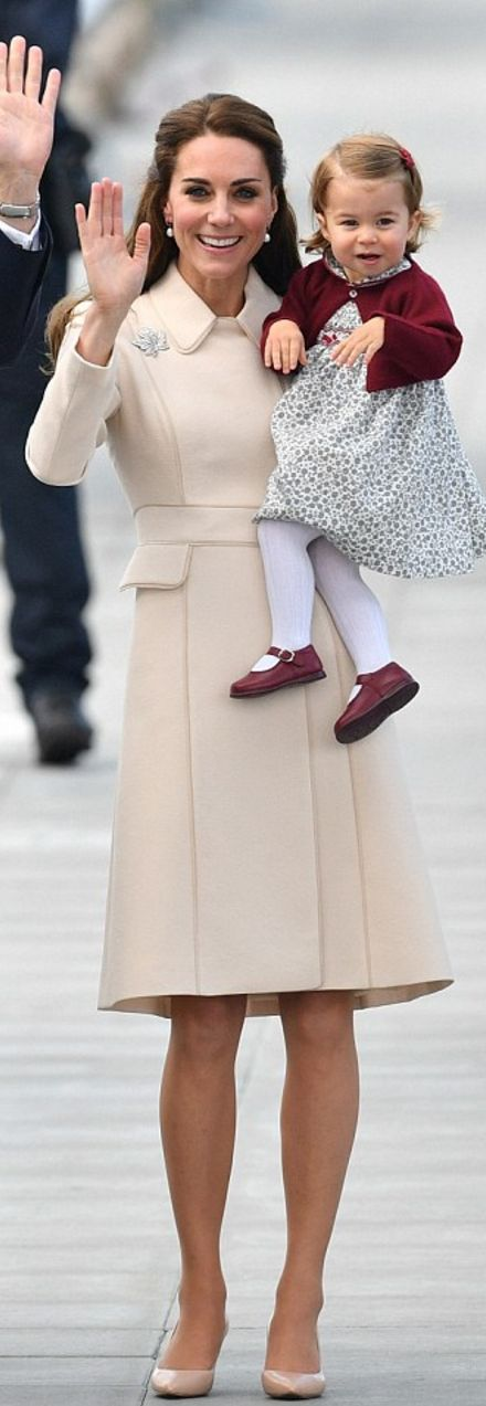 Kate Middleton: Coat – Catherine Walker  Earrings – Kiki McDonough  Shoes – LK Bennett: