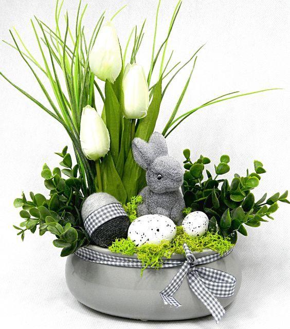 Dekoracje Wielkanocne Top 24 Sliczne Inspiracje Na Wielkanocne Ozdoby Do Twojego Domu Strona 5 Spring Easter Decor Easter Arrangement Easter Bunny Crafts