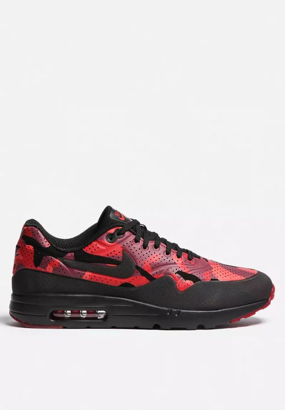 un tome 1 pi ce - Air Max 1 Ultra Moire Print Camo | Air Maxes, Camo and Men's sneakers