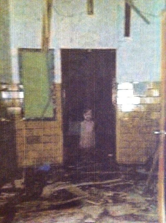 Real Ghost Pictures: The Lost Little Boy In The Old Elementary School