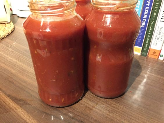 6 cups of delicious Marinara Sauce made in 15 minutes in the Instant Pot. Get the recipe here: http://www.plantbasedchristian.com/recipe/pressure-cooker-marinara-sauce/