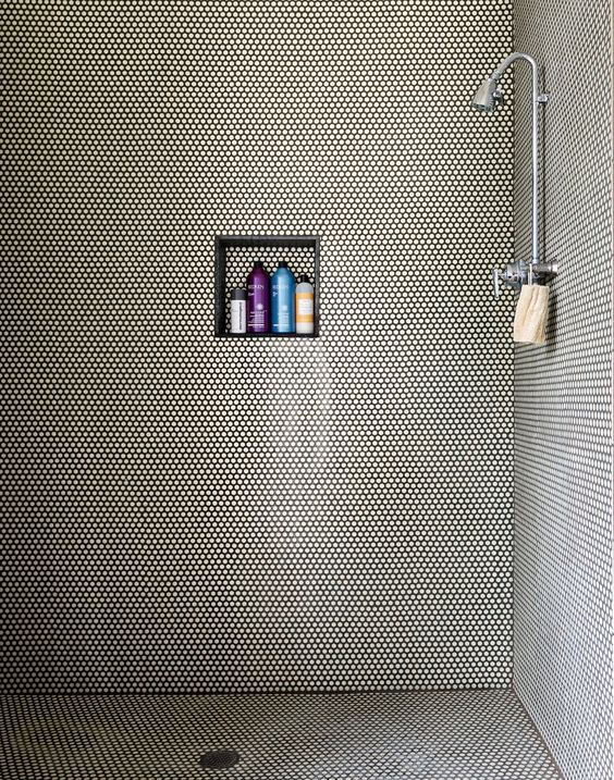 The shower #nicho #pastilha #chuveiro: