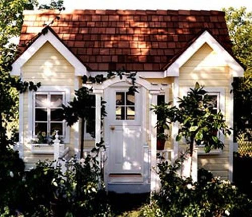 la petite maison garden cottage playhouse gardens so cute and house. Black Bedroom Furniture Sets. Home Design Ideas