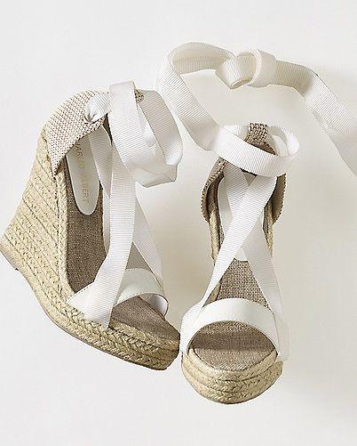 Top calzado novias ¿te atreves con las alpargatas?