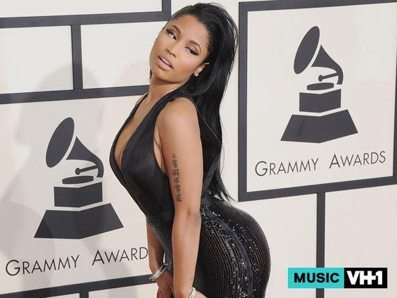 VIDEO: Fan Gropes Nicki Minaj's Butt During Concert, So Nicki Grabs Her Boobs Nicki Minaj  #NickiMinaj