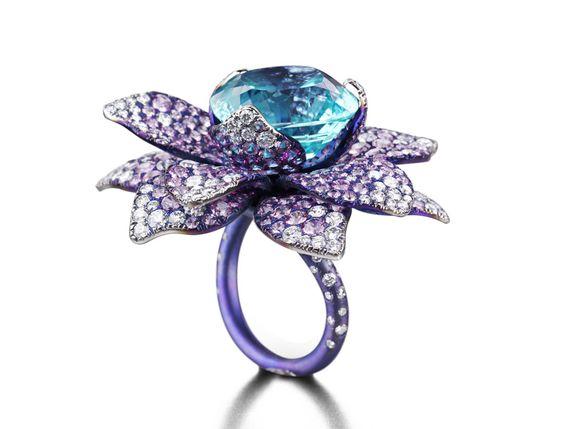 Suzanne Syz. The Blue Lotus ring – Paraiba Tourmaline, Pink Sapphire and Diamond set in Titanium.