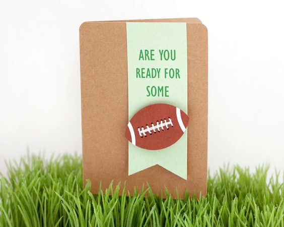 DIY party invitations http://www2.fiskars.com/Crafting/Projects/Cards/Just-Because/Punch-Basics-Circles-and-Squares