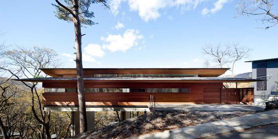 Arquitetura + Inspiração :     Um projeto interessante, aspecto contemporâneo e minimalista, pelo estúdio Kidosaki Architects e localizado em Asamayama (Japão).