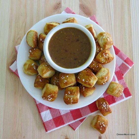 Easy Homemade Pretzel Bites and Raspberry Honey Mustard Sauce  | www.dinner-mom.com | #pretzels #honeymustard