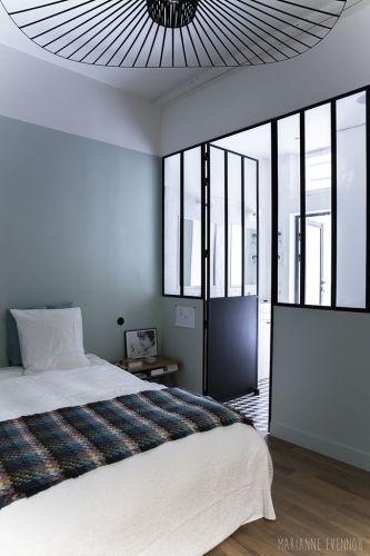 une verri re atelier dans la maison atelier. Black Bedroom Furniture Sets. Home Design Ideas
