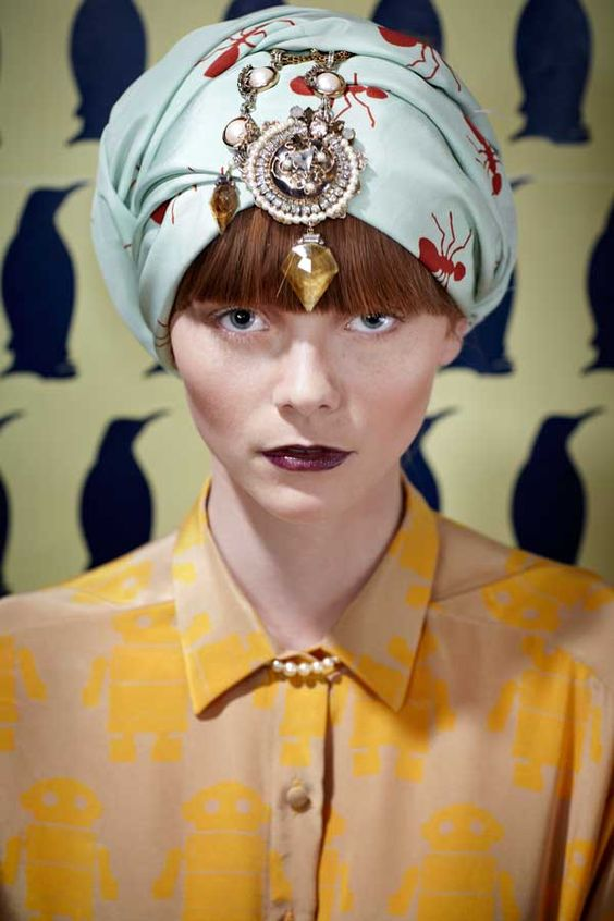 couvre-chef bling-bling (Charlotte Taylor F/W 2011)