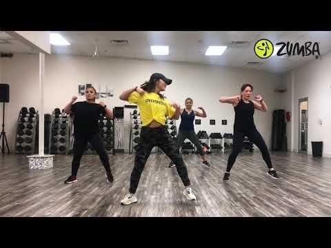 Con Calma Daddy Yankee Zumba Fitness By Tuyet Huynh Youtube Ejercicios Baile Coreografía