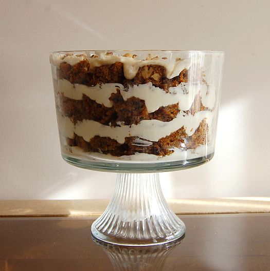 carrot cakewith cream cheese  trifle