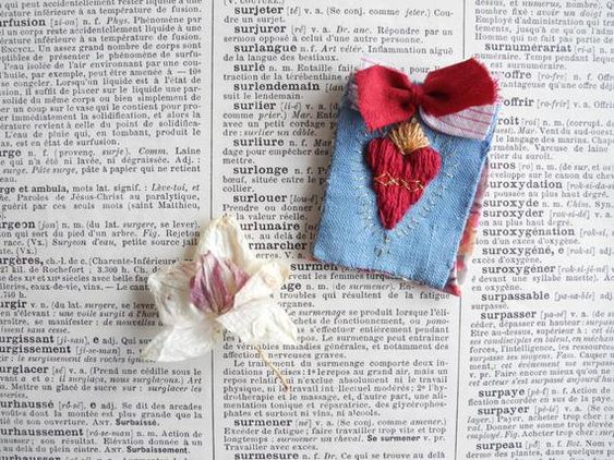 Articulos Similares A Broche De Sagrado Corazon Bordado De La