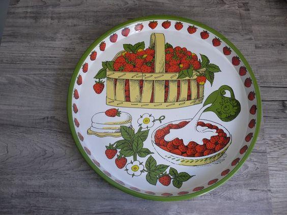 "Vtg Strawberry Design 12"" Round Metal Serving Tray Scotland Strawberries & Cream $16.99"