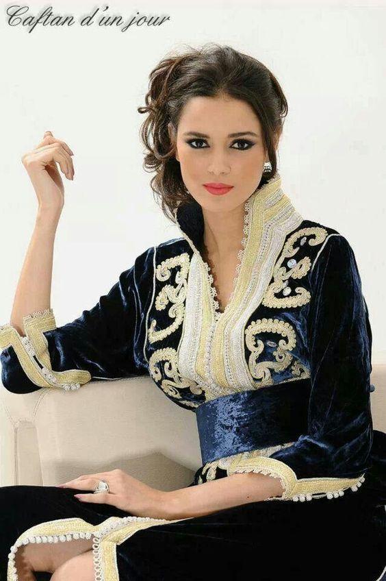 velour femmes orientales pinterest beautiful robe arabe et caftan. Black Bedroom Furniture Sets. Home Design Ideas