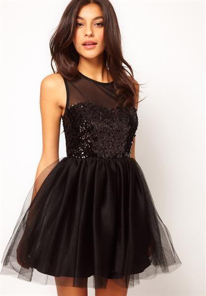 Чёрное вечернее платье короткое