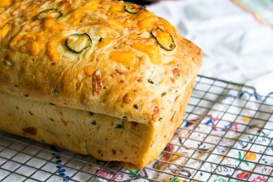 Jalapeño 3-Cheese Bread from @bakeat350 @thepioneerwoman