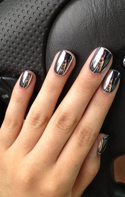 High shine silver metallic dark grey nails:
