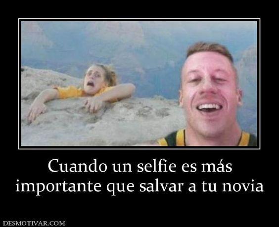 Cuando+un+selfie+es+más+importante+que+salvar+a+tu+novia