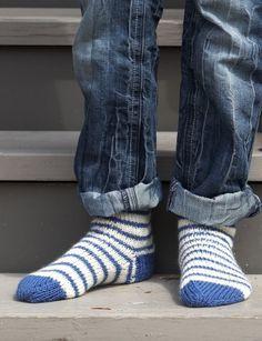Basic Socks - Patterns   Yarnspirations