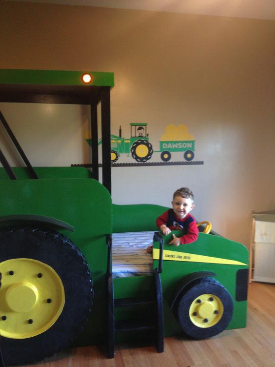 17 awesome kids tractor bed foto inspiration kid s room for John deere bedroom ideas