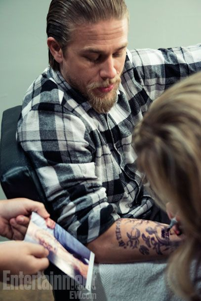 charlie hunnam sons of anarchy and ryan hurst on pinterest