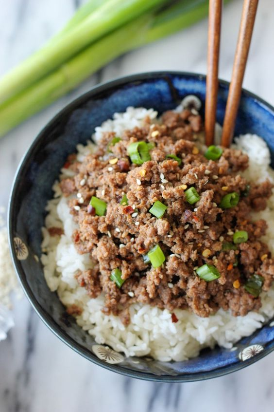 Korean Beef Bowl - Tastes like korean BBQ and is on your dinner table in just 15 minutes! I like the ground beef but prefer thinly sliced steak! Jenny