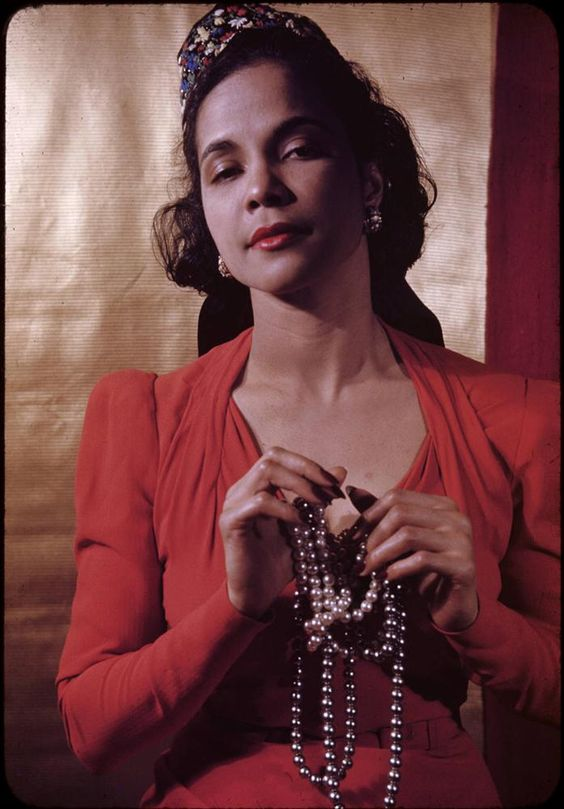 Blanche Dunn, the exceedingly stylish Harlem Renaissance-era actress.  Photographer Carl Van Vechten, (1941).