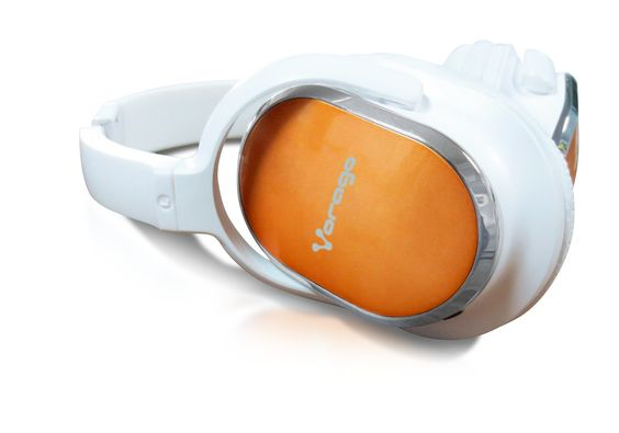 HP-202  AUDÍFONO DIADEMA DE ALTA FIDELIDAD  Déjate envolver por la sensación de confort y aislamiento total de los Headphones 202 de Vorago®.  Su espectacular ergonomía y calidad de sonido le darán a tu música el escenario perfecto para que la disfrutes por horas de forma privilegiada.
