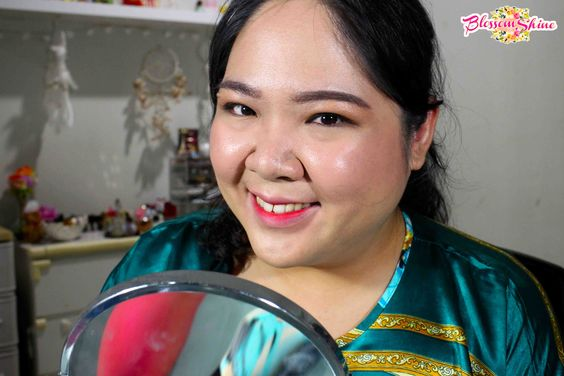 Full Face Makeup dengan menggunakan BB Cream Fanbo + Fanbo Two Way Cake
