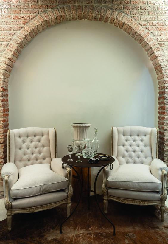 Par de sillones berg re antiguos restaurados p tina for Sillones antiguos tapizados