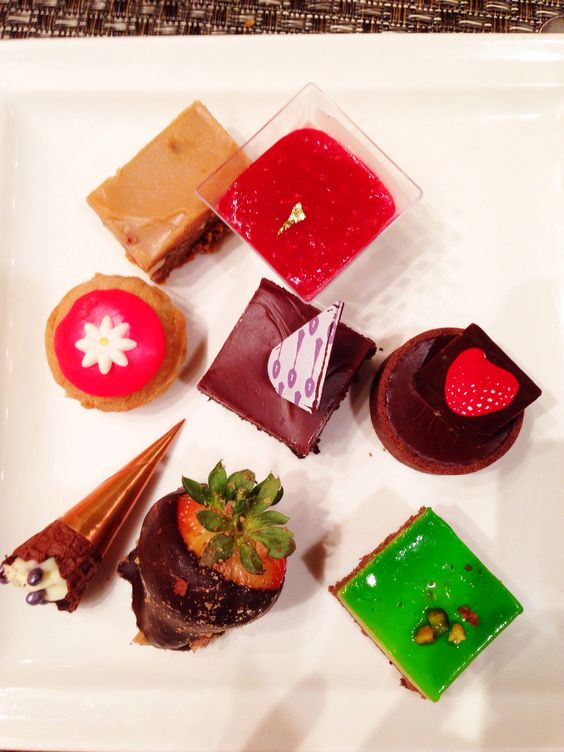 Dessert at The Wicked Spoon Buffet | the Cosmopolitan in Las Vegas.I am a little obsessed!