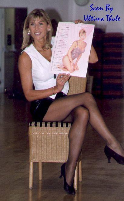 Sharon Davies Upskirt 45
