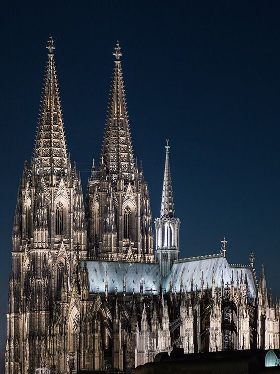 Cologne Cathedral Germany By Christian Marz Cathedral Cologne Cathedral Amazing Buildings