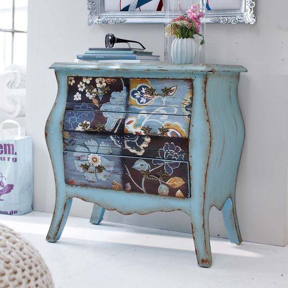Vintage Home - such fun combo of patterns in blue color scheme DECOPAUGE…
