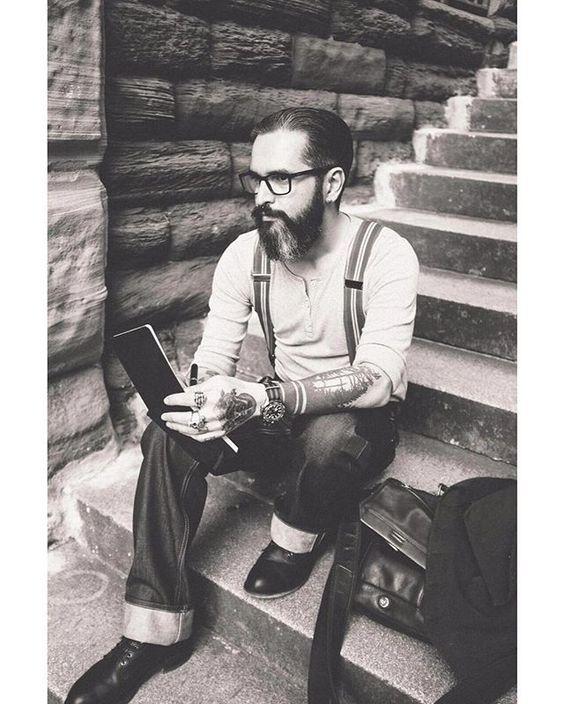 """""""Dass du ein Wort zum Gedanken schreiben tust ist wichtiger, als dass es jemals gelesen wird!"""" - Michael Tz Photo by @n.soleil.photographie  #sober #gedanken #leben #liebe #ich #poet #gedicht #life #bw #blackandwhite #monochrome #oldschool #vintage #mood #life #art #streetphotography #tattoo #ink #tats #hairstyle #rugged #beard #beards #beardlife #barber #barberlife #hairstyle #instadaily #0711 #greek #stuttgart"""
