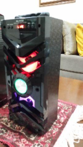 Caixa de som amplificada Bluetooth nova na caixa